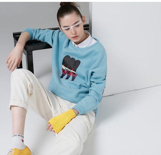 Bawełniana bluza z modnym nadrukiem
